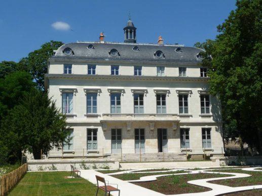 Château du duc d'Orléans Jardin Hélène Cadou